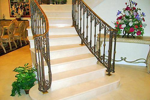 TDMG Stairs003