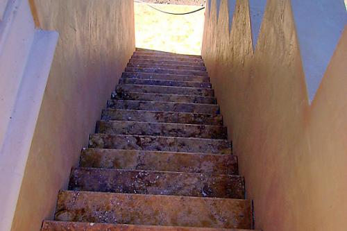TDMG Stairs009